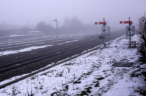 Banbury railway station: fog, semaphore signals and trainspotters
