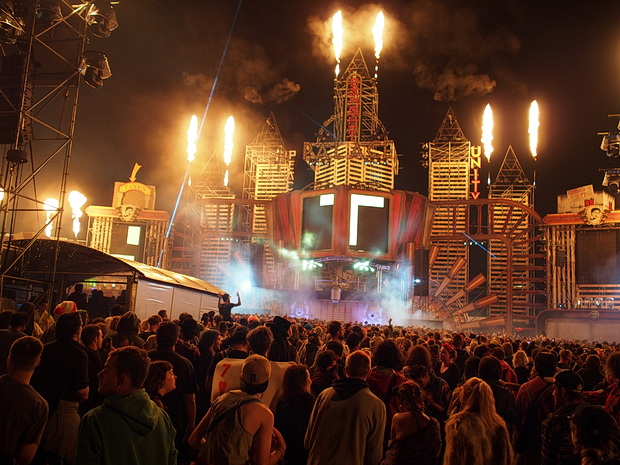 The incredible Bang Hai Palace at Boomtown 2015 - photos and video, August 2015