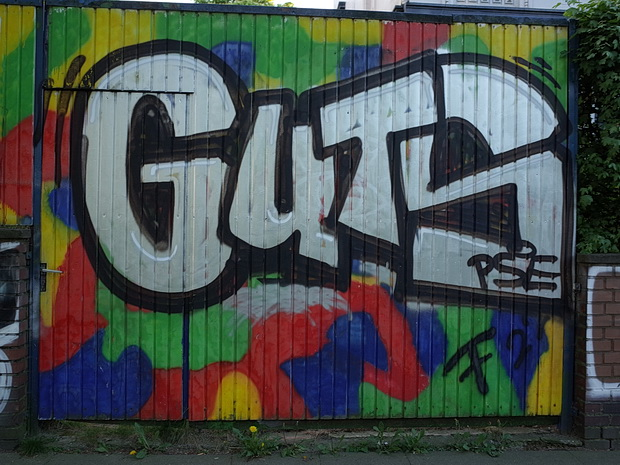 Berlin photos: graffiti, street art and posters, May 2018