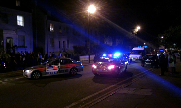 Massive Brixton police chase: Coldharbour Lane/Somerleyton Road