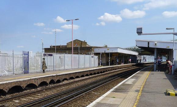 Brixton overground railway station