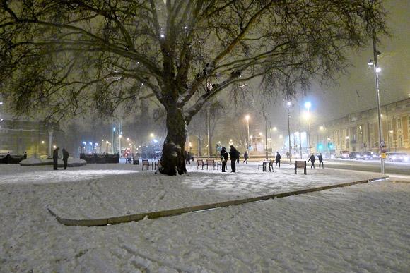 A snowy night in Brixton - photos of south London snowfall, 5th Febraury 2012