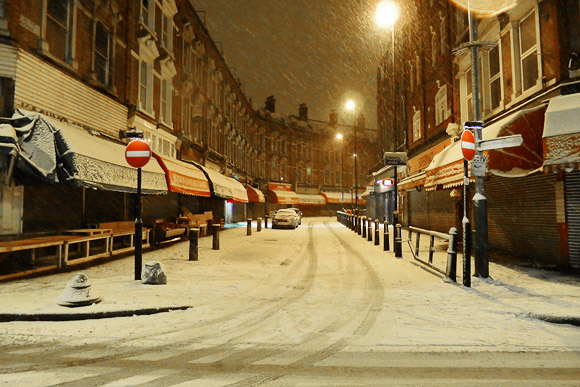 A snowy night in Brixton - photos of south London snowfall, 5th Febraury 2012