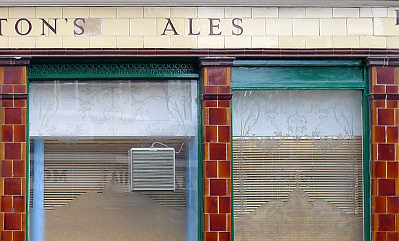 Lost London pubs, The Bromley Arms, Cleveland Street,  NW1