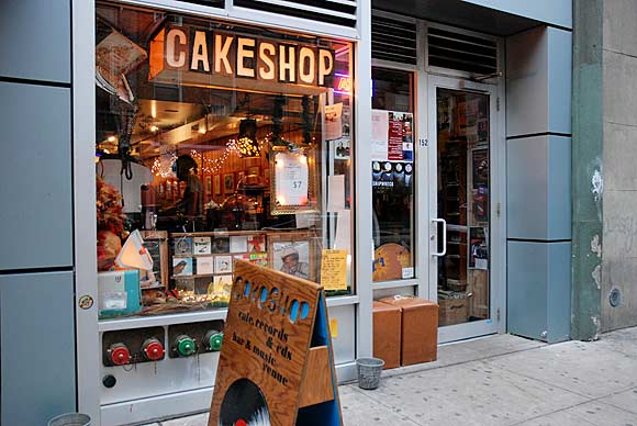 Cake Shop, Ludlow Street, 152 Ludlow Street, New York, NY 10002,  photos and memories
