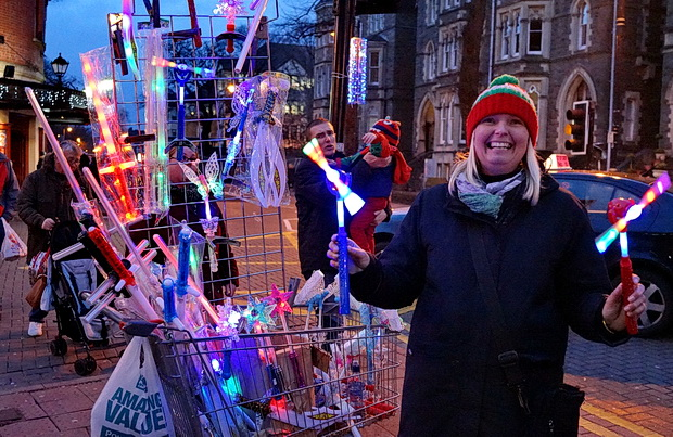 Frosty feet, market scenes, CCTV Santa and Chinese baubles: Cardiff photos, December 2016