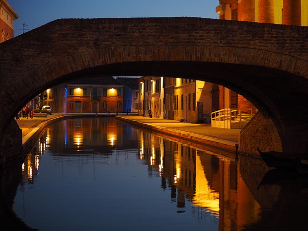 Plastic Sofa Covers For Moving The canals and stunning architecture of Comacchio at night ...