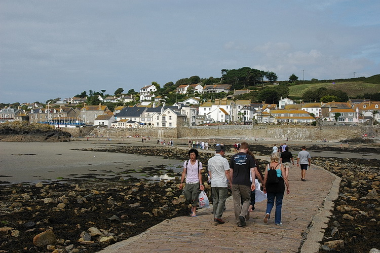 Cornwall archive photos: St Ives, Mousehole, Marazion and more - August 2005