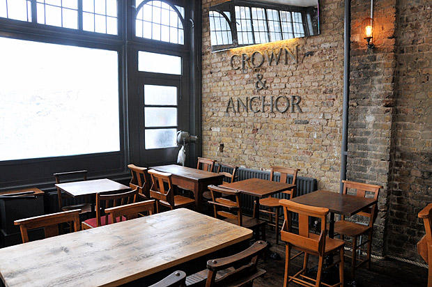 The Crown and Anchor, 246 Brixton Road, London SW9 - a new real ale bar for Brixton