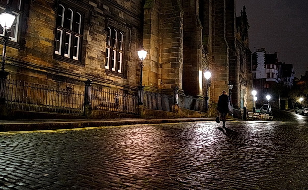 In photos: Edinburgh at night