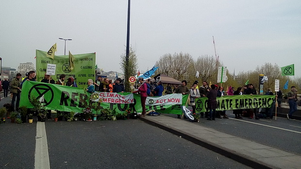Extinction Rebellion protests: the Garden Bridge, overnight occupation and today's updates - Tues 16th Apr 2019