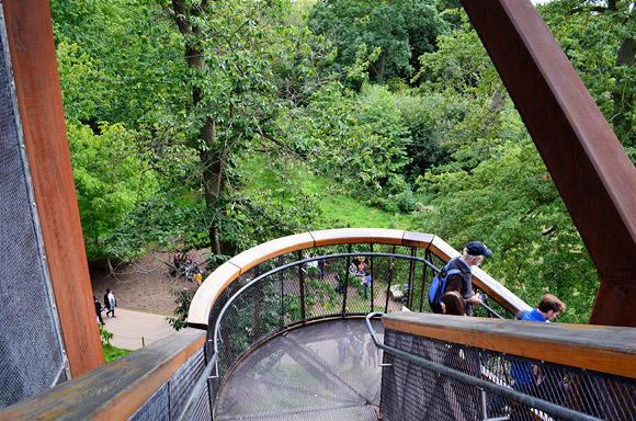 Kew Gardens Treetop walkway - wobbly, but fun