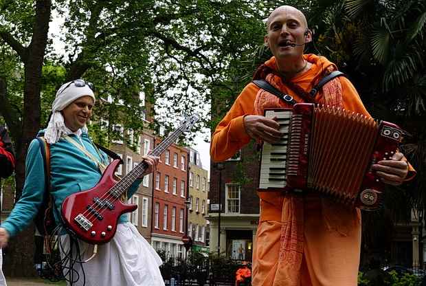 London Soho Square, The Hari Krishna guys go electric, May 2017