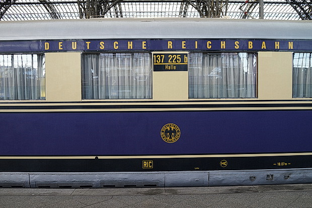 Liepzig photos: Trams, steam locomotive, posters and graffiti, Germany, December 2016