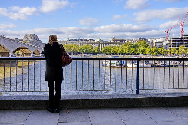 London street scenes: autumn shadows, Southbank book browsers, low tide Thames and random signs, October 2018