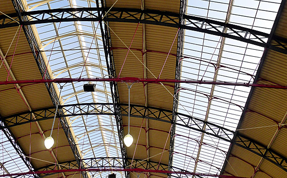London Victoria station - the refurbished roof sees the light