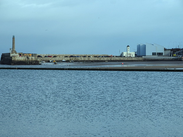 Margate in winter: Dreamland, architecture, pub and beach views