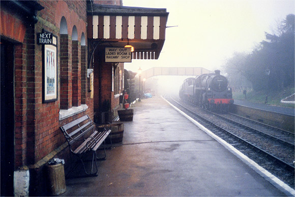 Mist and smoke - the Mid Hants railway, winter 1986