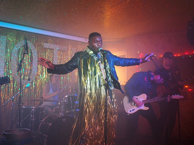 Sparkle and an early new year with Misty Miller, Black Honey & The Near Death Experience at Hackney's Moth Club, Sunday 29th November 2015