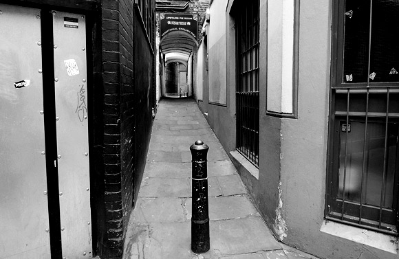 New Passage, Fitrovia - a walk into London's past