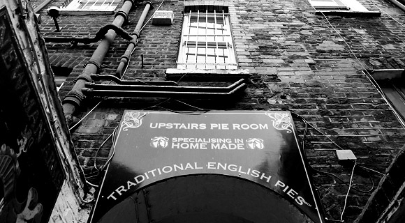 New Passage, Fitrovia - a walk into London's past