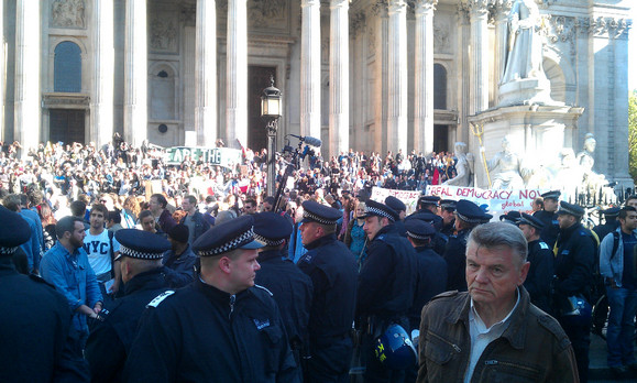 Occupy the Stock Exchange - London protest underway [photos]