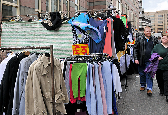 A walk down Petticoat Lane Market, London E1