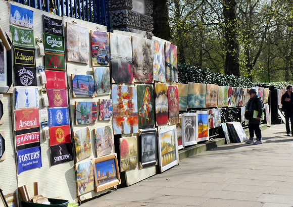 London Life: Piccadilly Art Market, Green Park