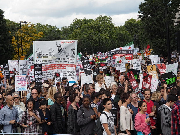 Banners, slogans and faces in the crowd: Solidarity with Refugees March, Saturday 12th September 2015