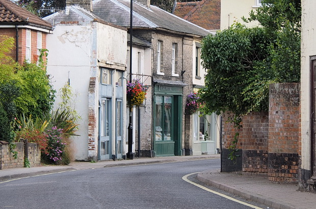 Photos of Saxmundham town centre, buildings and architecture, East Suffolk, England, August 2014
