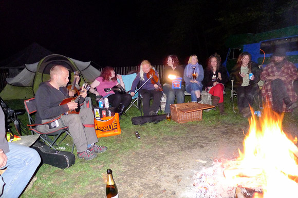 urban75 camping trip to WoWo camp site, Wapsbourne near Sheffield Park, East Sussex, September 2011