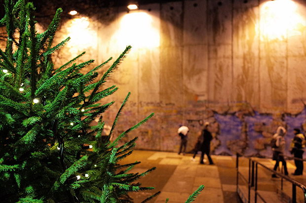 Bethlehem Unwrapped sees 8 metre concrete wall built in front of St James's Church, Piccadilly, Dec 2013- Jan 2014