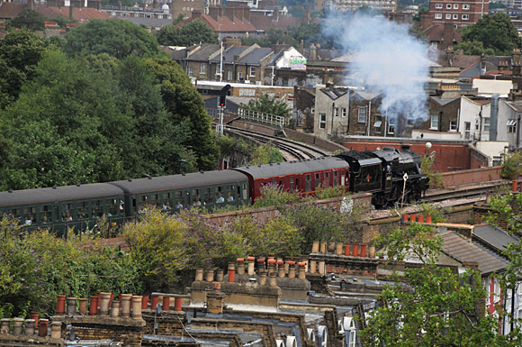 Steaming through Brixton: LMS Stanier Class 5 4-6-0