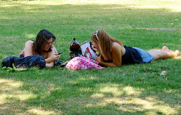 A summer Saturday in Green Park, London