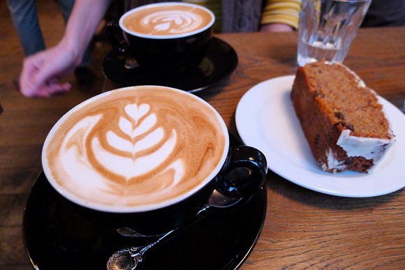 Tapped & Packed coffee shop review, Tottenham Court Road, London