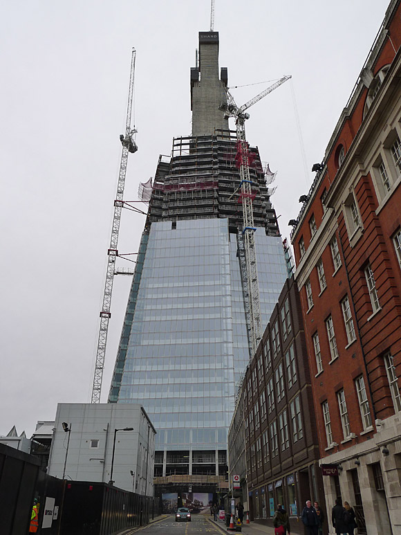 The London Shard at London Bridge, London SE1 shoots up...