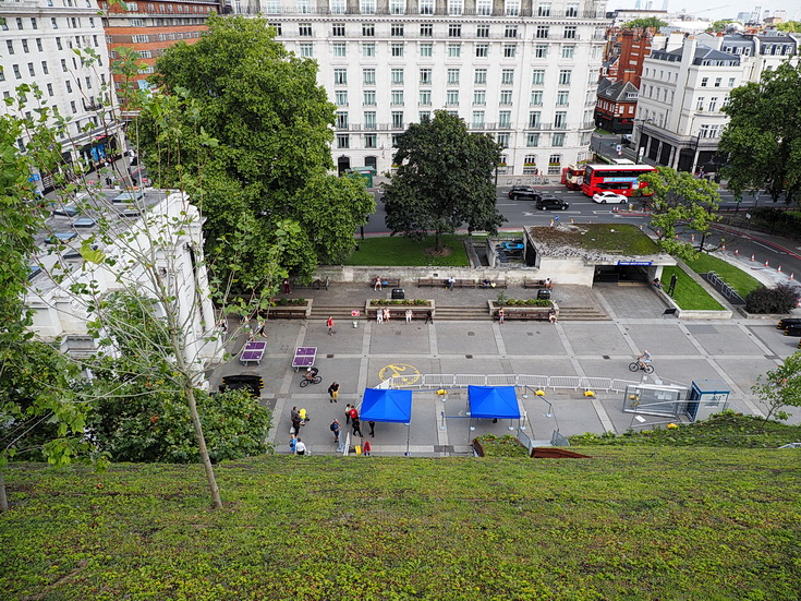 In photos: a trip up The Mound in Marble Arch, London