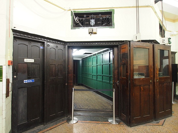 A tour of the abandoned Strand /Aldwych tube station in central London
