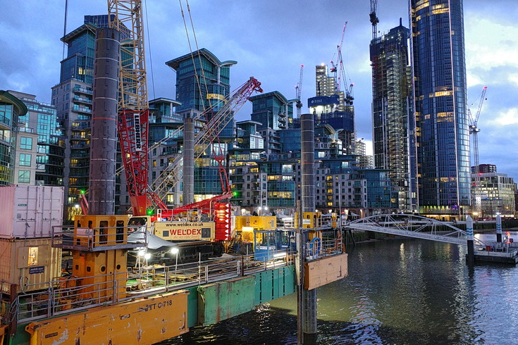 Vauxhall at night - skyscrapers, buses, construction work and a Thames nocturne, Jan 2021