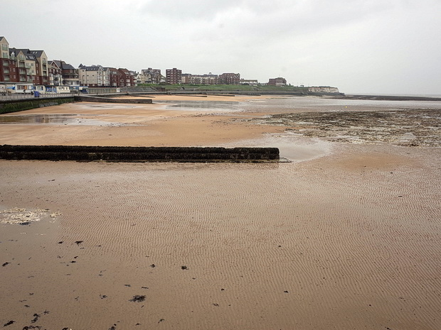 Lost rabbits and hideous headwinds - a walk from Westgate On Sea to Margate