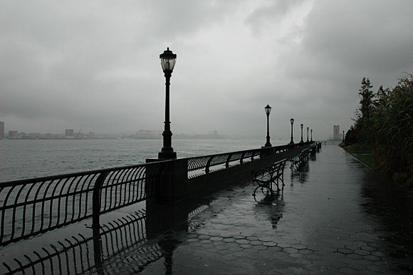 battery-park-nyc-rain-01