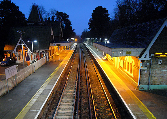 box-hill-railway-station-01