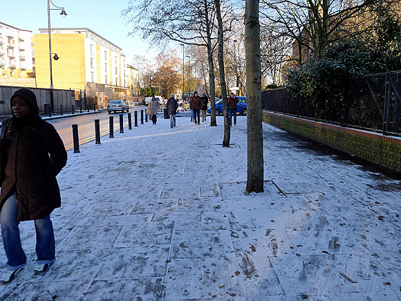 brixton-gets-snow-dusting-01