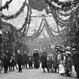 Compare and contrast these scenes, seperated by a hundred years. Electric Avenue, 1908: Electric Avenue, 2008: More: Christmas in Brixton, old and new