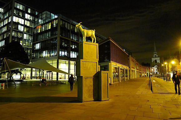 goat-sculpture-spitalfields-01