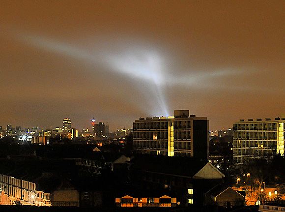 lights-over-london-03