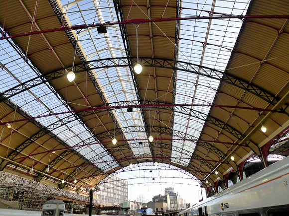 london-victoria-station-roof-01