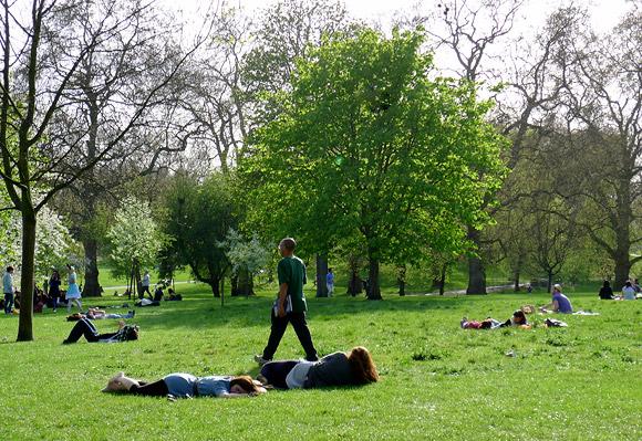spring-in-green-park-01
