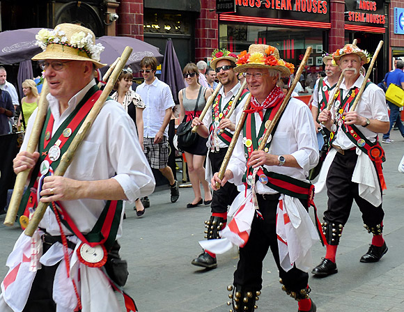 st-george-morris-dancers-london-07