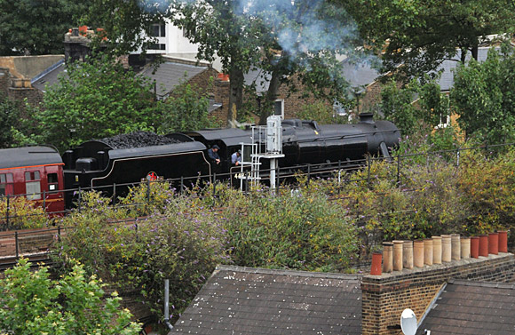 steam-train-brixton-01